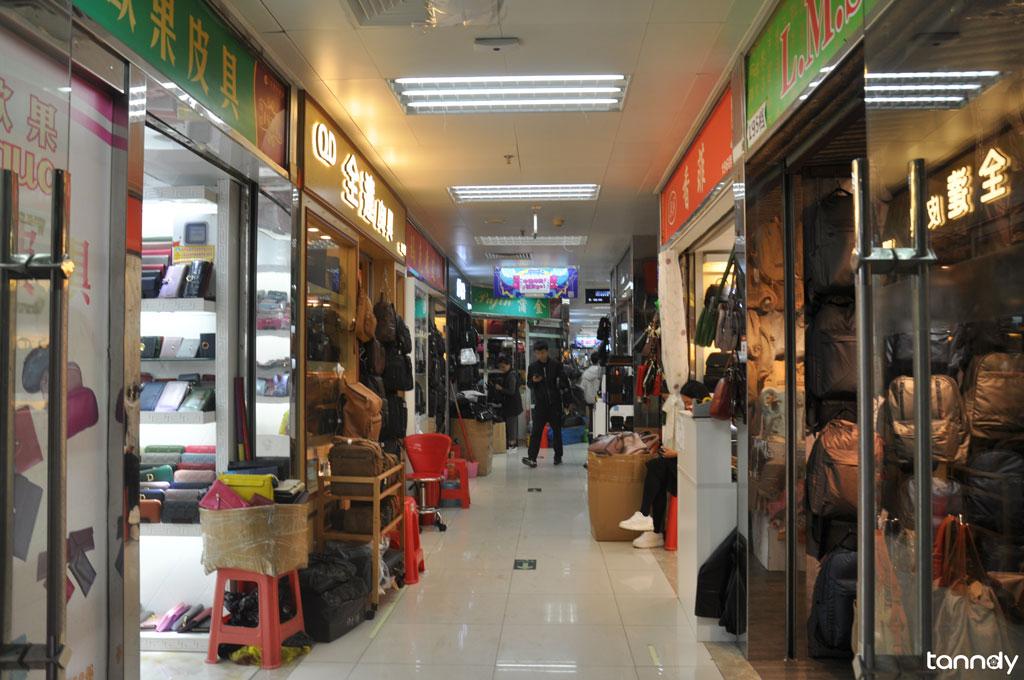 Guangzhou handbag wholesale market