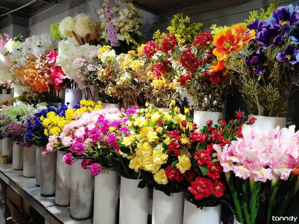 artificial flower shop in gifts wholesale market
