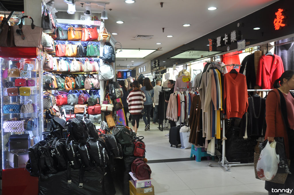 shops in Guangzhou clothes market 4
