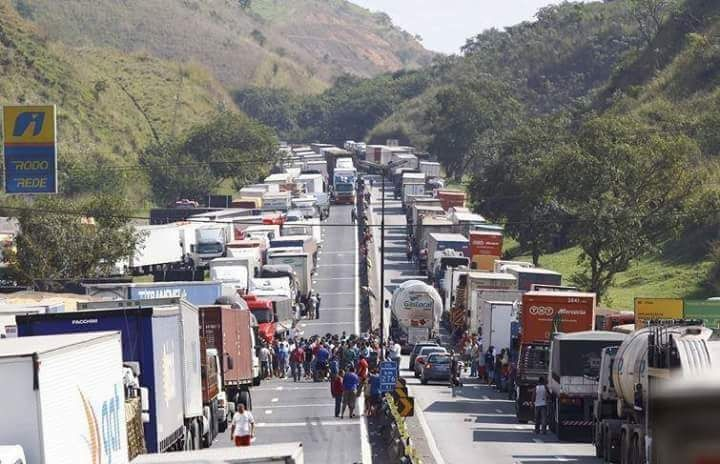 Brazil Truckers strike credit Rob Ward