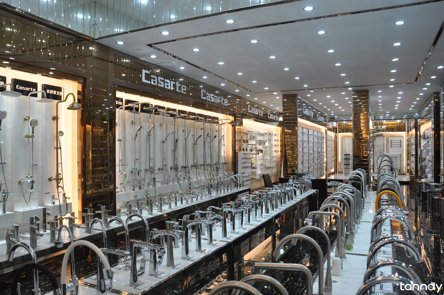 Sanitary-showroom-in-Foshan