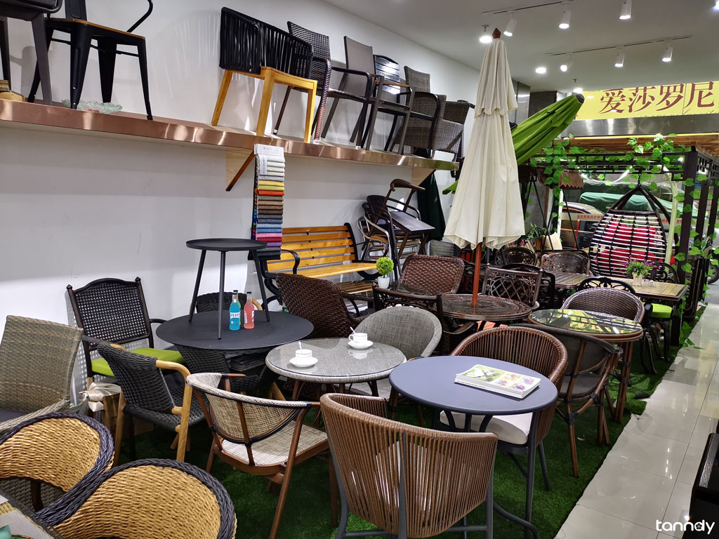outdoor-furniture-shop-in-furniture-market-in-Foshan-shunde