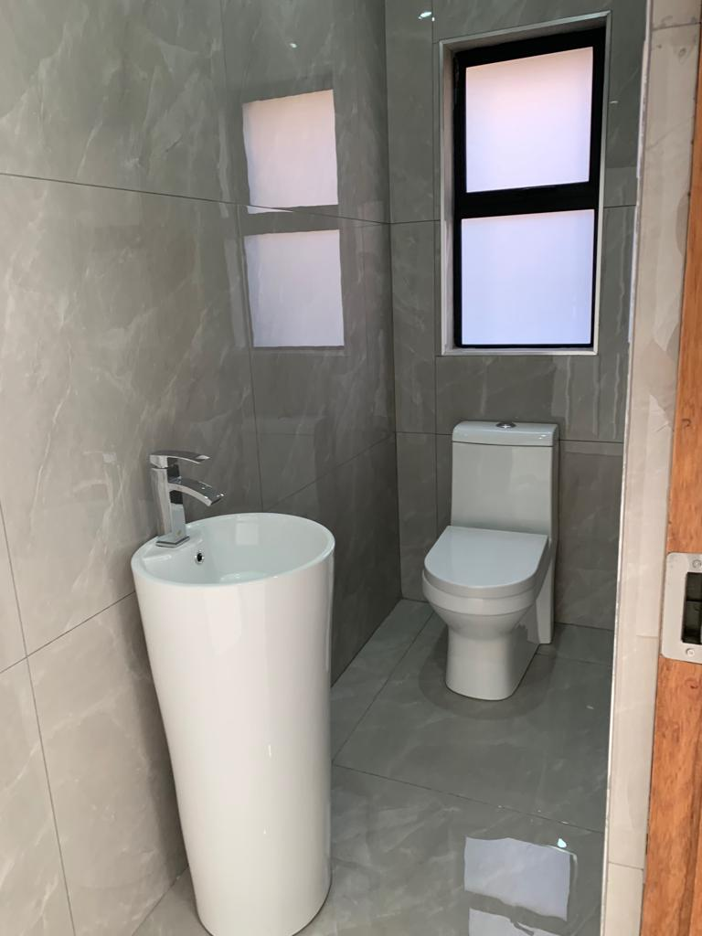 House in South Africa - Toilet