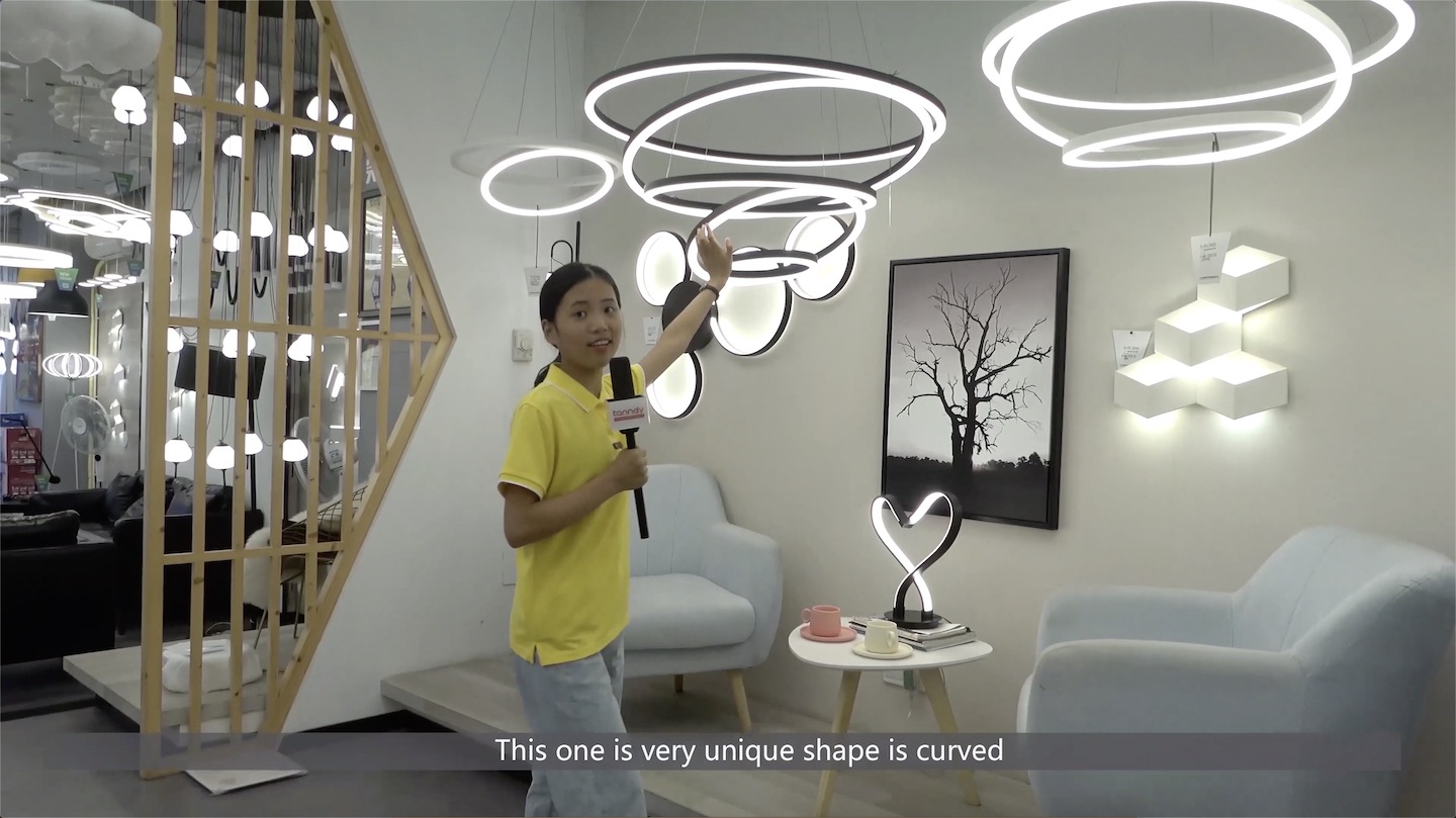 A curved shape LED lighting