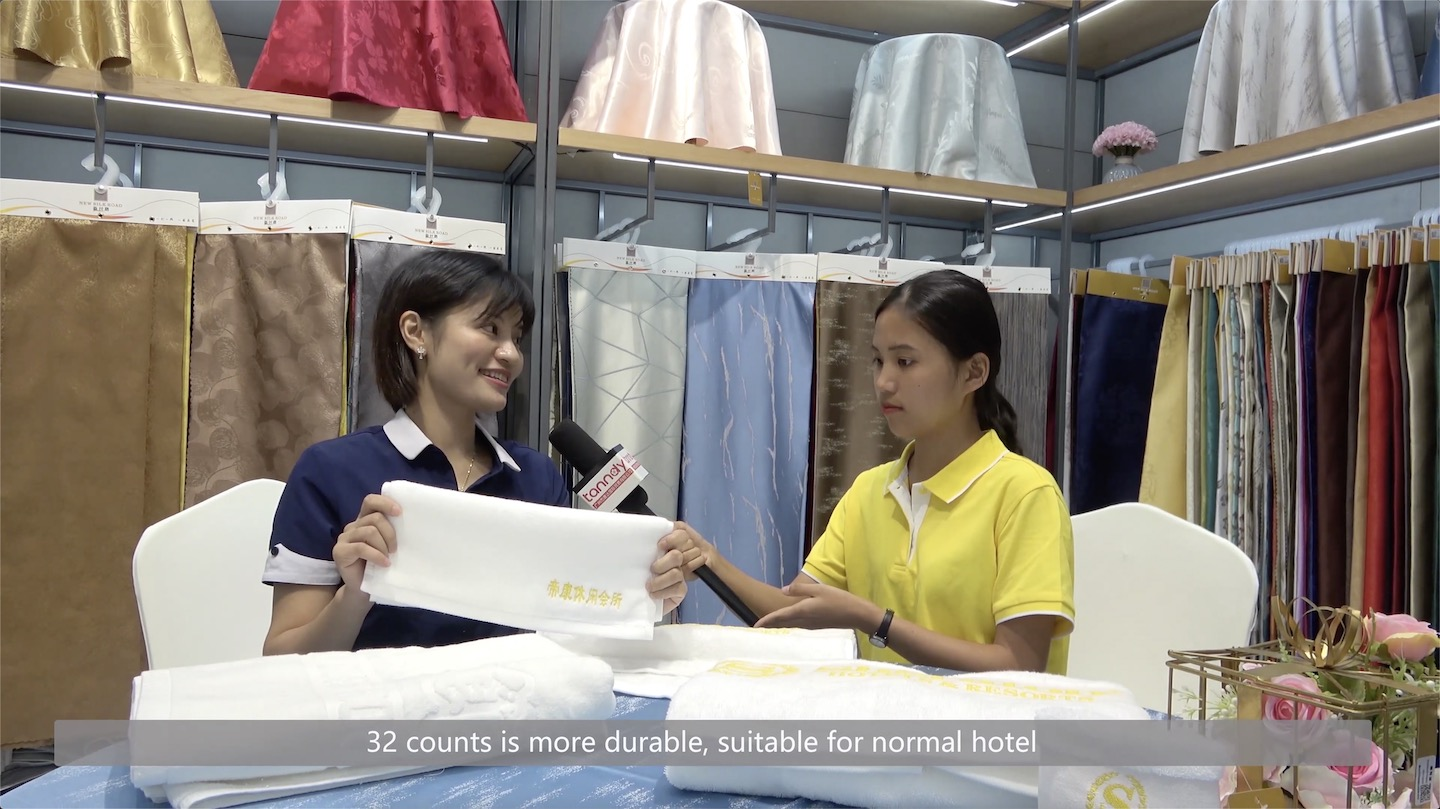 A supplier is telling the difference of towel for hotel