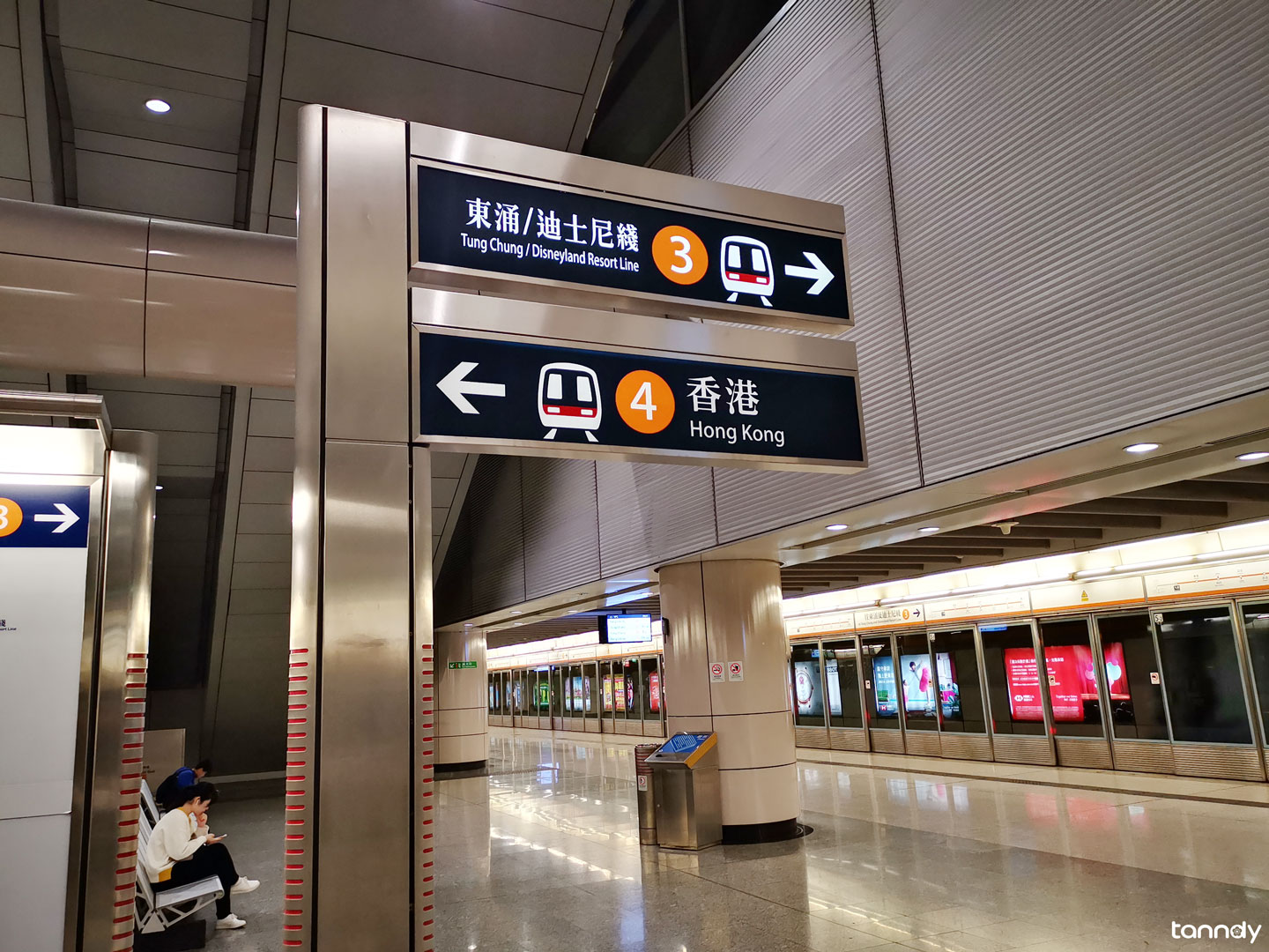 Hongkong-West-Kowloon-High-speed-station