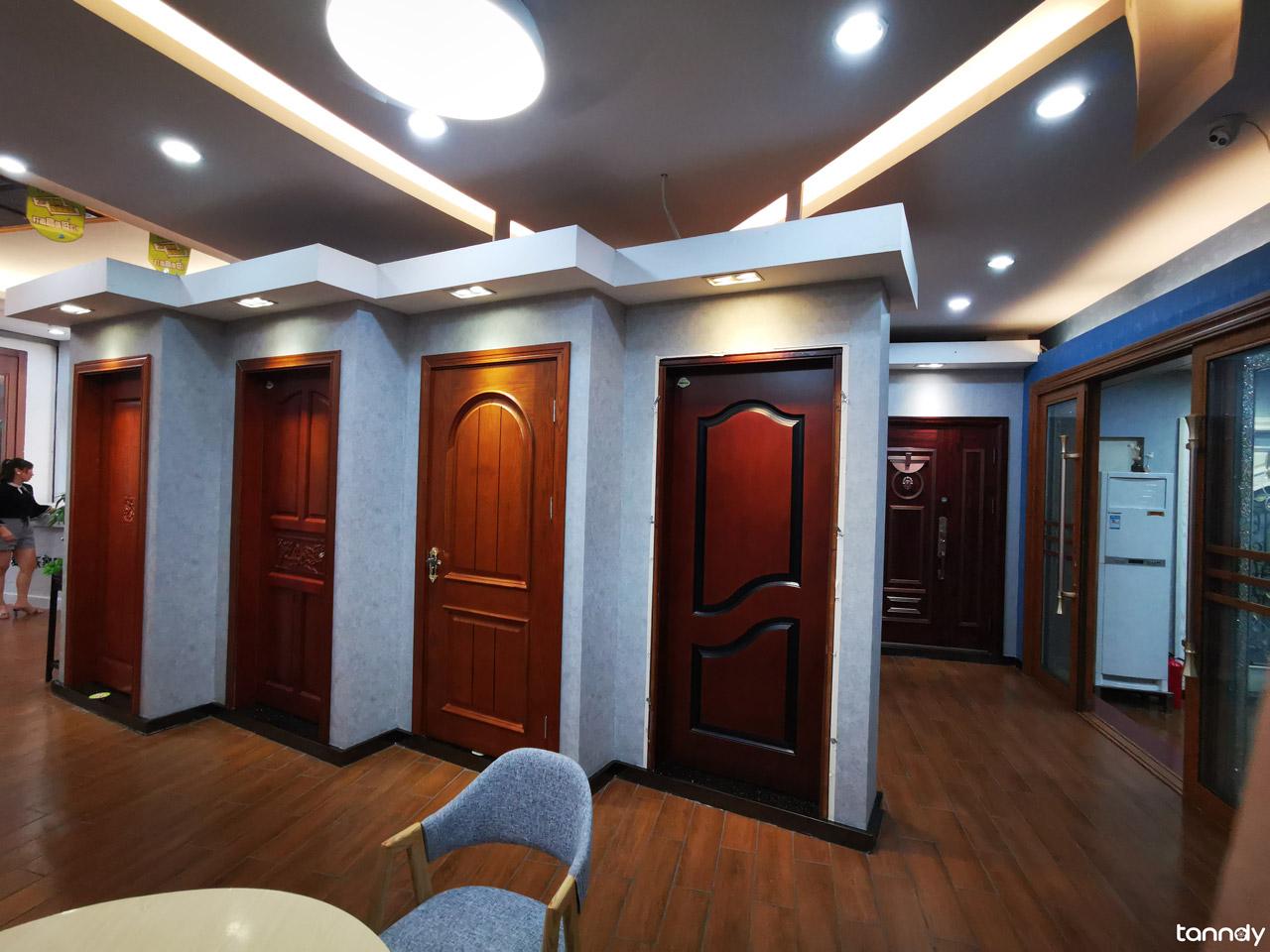 door-showroom